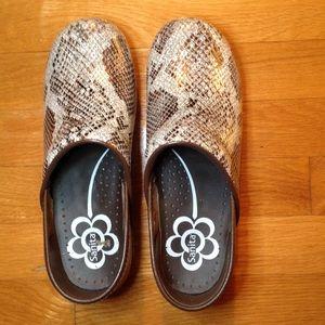 Shoes - Sanita Clogs Snakeskin pattern